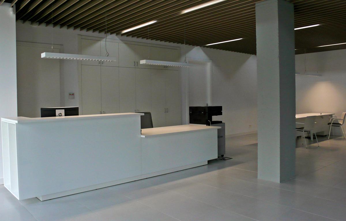 Recepciones y mostradores de oficina